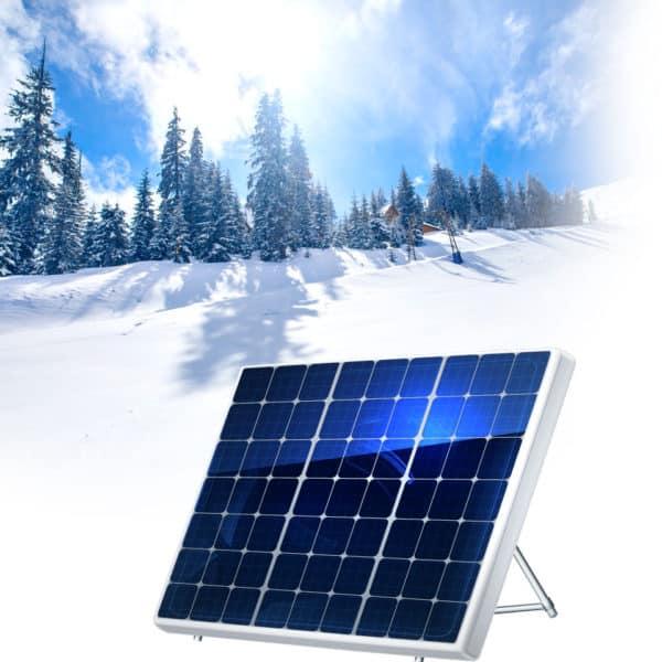 Aurinkopaneelit talvella